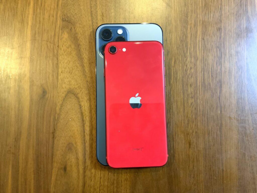 iPhoneSE2のサイズ比較画像