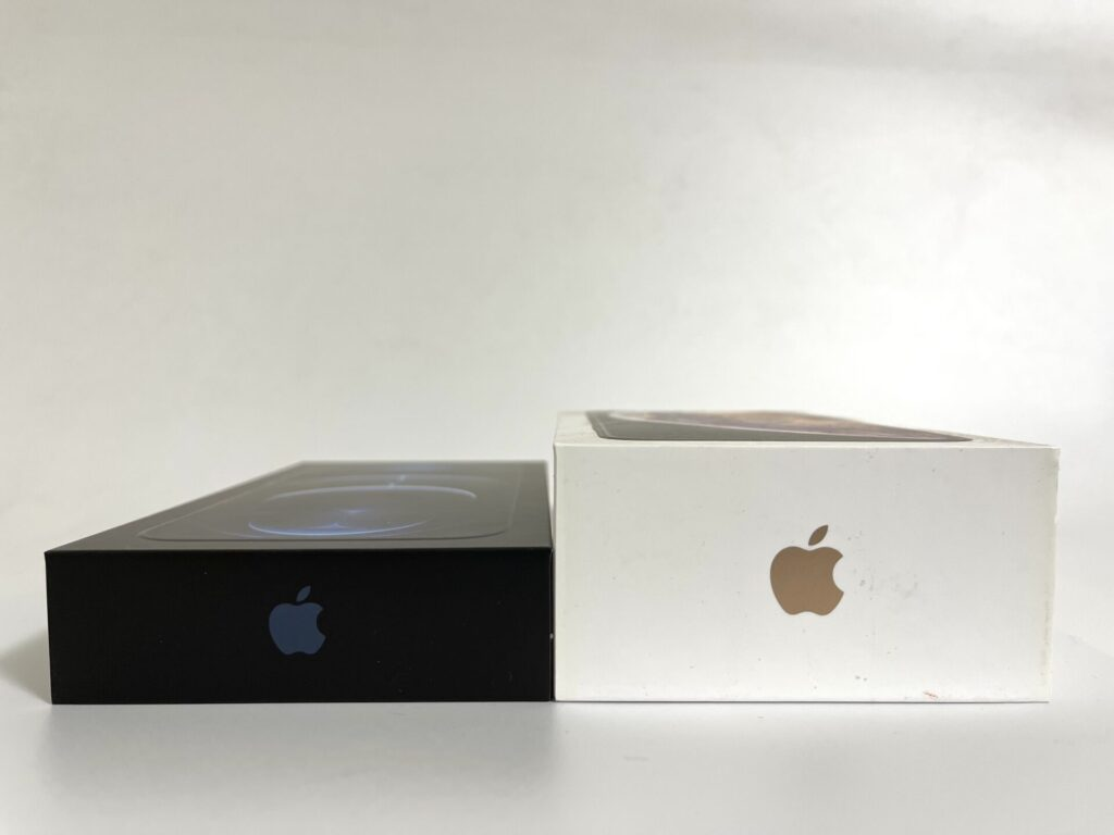 iPhone12ProMaxの外箱
