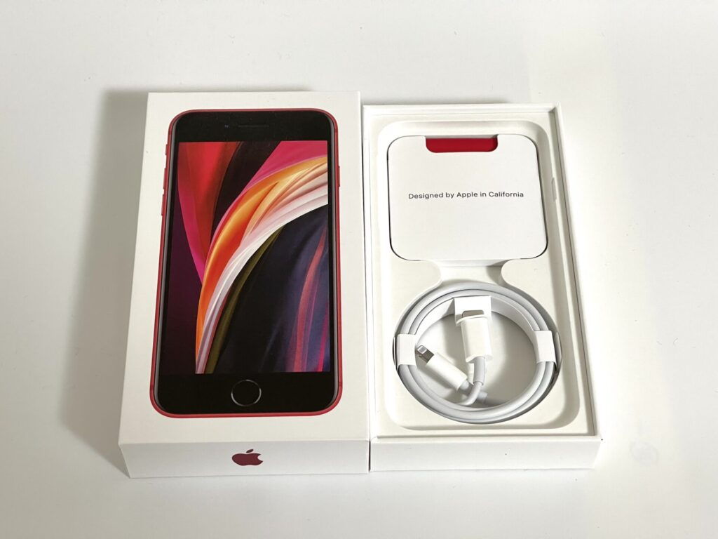 iPhoneSE2の付属品画像