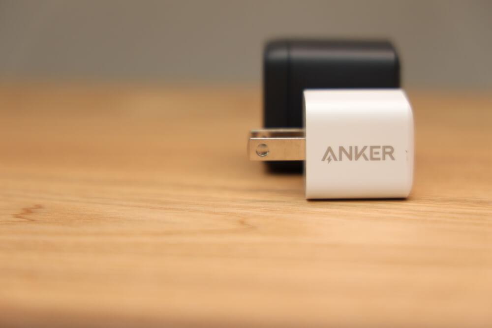Anker PowerPort III Nanoとのサイズ比較